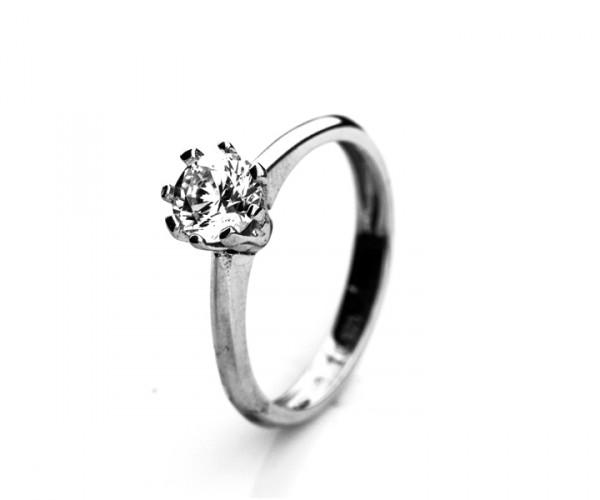 Wunderschöne Silberring mit Zirkoniasteinen 10067